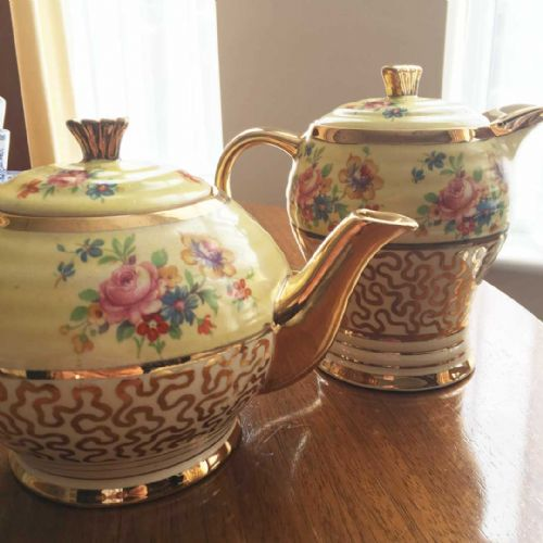 Art Deco Gold Lustre Tea Pot and Hot Water Pot – Gloucester – Tea Shop